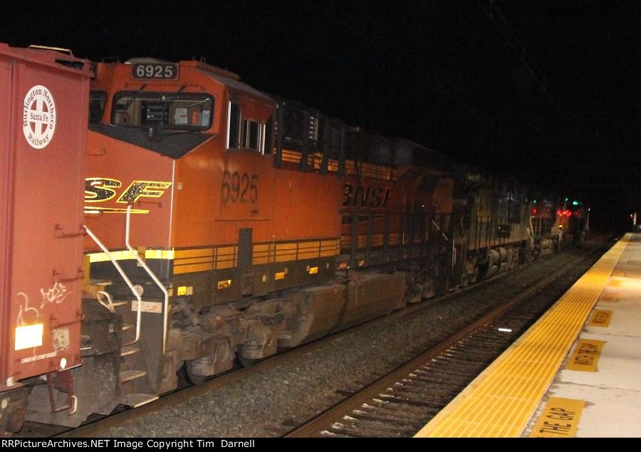 BNSF 6925 fifth on K160